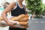 Stokbrood halen bij de Franse bakker