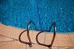 Zwembad met trapje