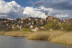 Het Hongaarse dorpje Tihany aan de noordkust van het Balaton meer