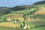 Boerderij in heuvellandschap in Toscane