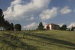 Villa in het heuvellandschap van Valdorcia ten zuiden van Siena, Toscane