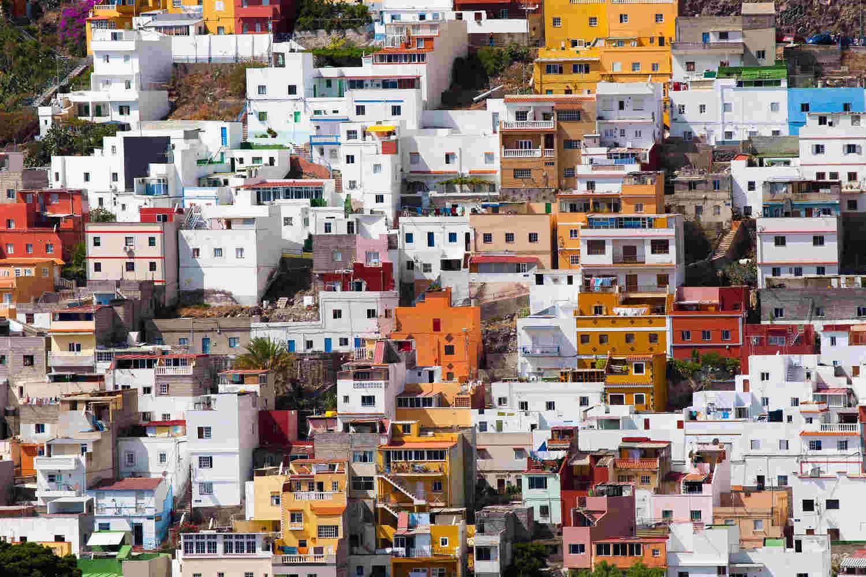 Spaanse banken verkopen huizen uit bankbeslag tegen for Verkoop huizen